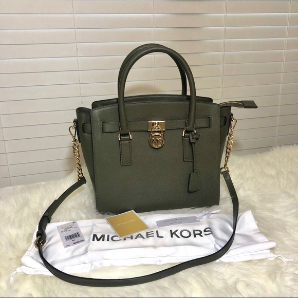 721b4a7e8374 NWT Michael Kors Large EW Hamilton Purse in Olive